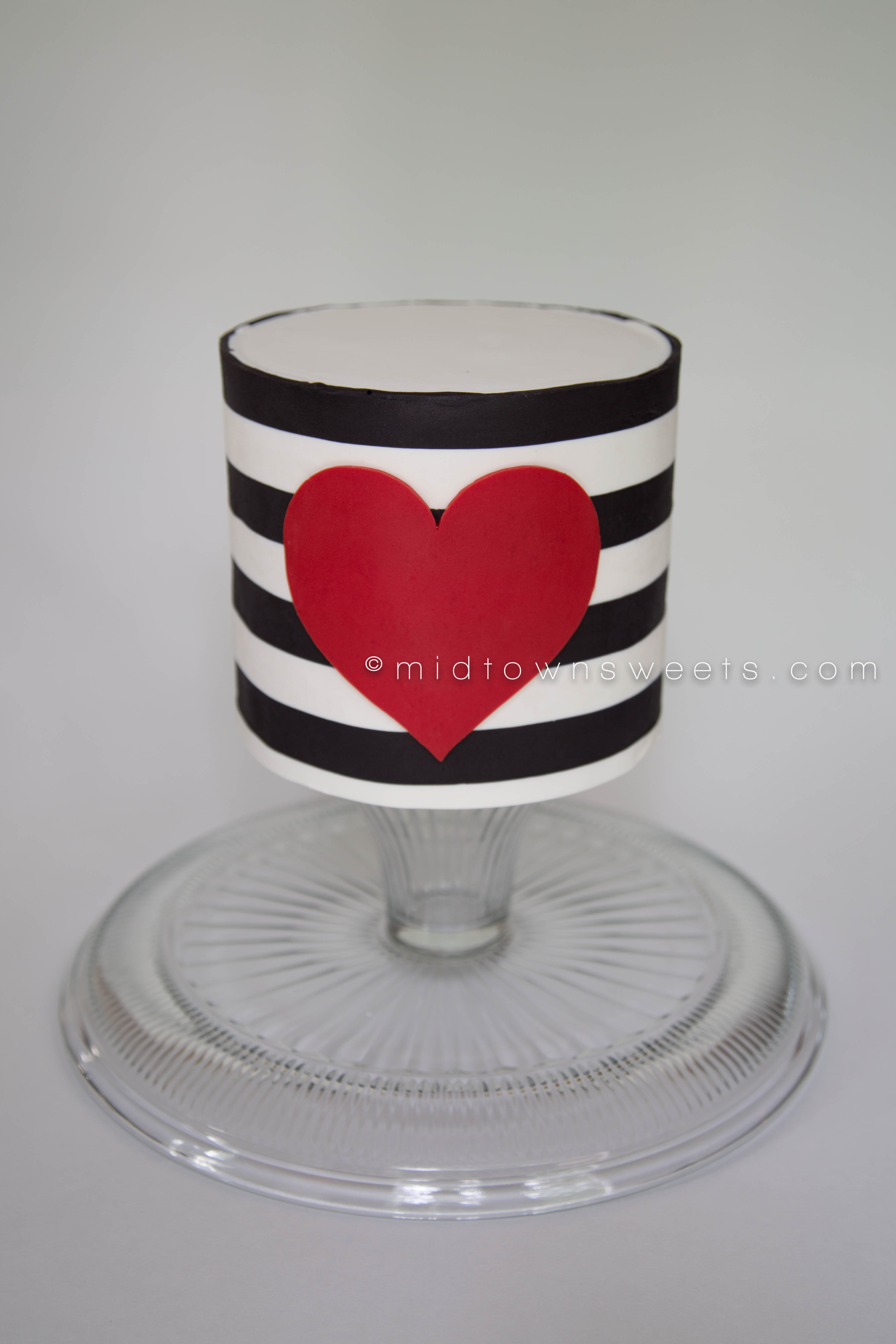 Midtown Sweets Black Amp White Striped Cake